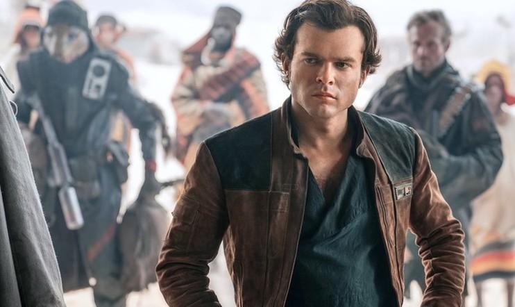 """Toimitukselta tyly Solo: A Star Wars -tilitys  – """"karismaa kuin 10 vuotta vanhalla homejuuston palasella"""""""